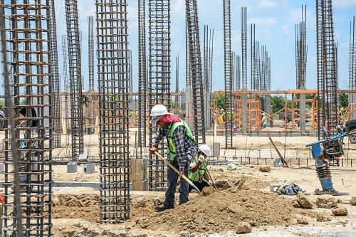Avanza construcción de escuelas