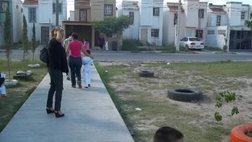 Niños de Kínder reciben clases en casas de Infonavit abandonadas