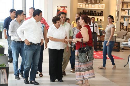 Pánico en Centro Comercial de Tampico por asalto a joyería