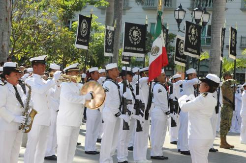 Peña y Soberón encabezan Día de la Armada en BCS