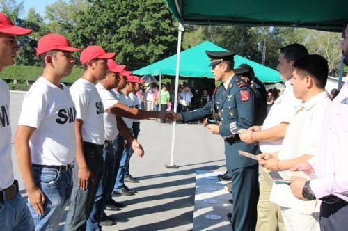 Recibe juventud zacatecana cartillas del Servicio Militar