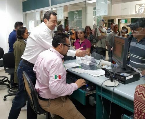 Se crean en febrero 164 mil empleos nuevos, cifra récord del IMSS