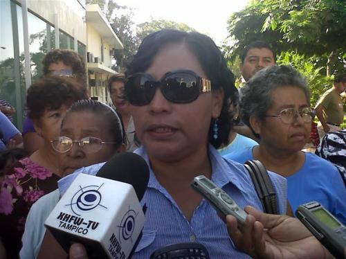 Inspectoras de Madero amenazan a vendedores de botaderos rodantes