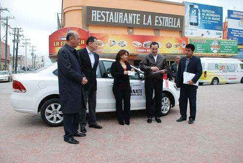 Ganadora de sorteo recibe Vento 2014 en municipio de Reynosa
