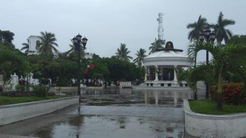 México reporta dos víctimas mortales por el paso del huracán Katia