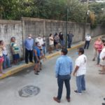 Vecinos se quejan de la CFE y del CBTA 12 por constantes apagones