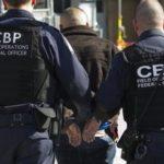 Detienen en Texas a mexicano por delitos contra menor de edad